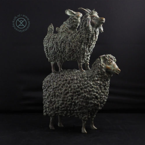 Stapel op wol | 2021 | 35 x 25 cm | oplage 8